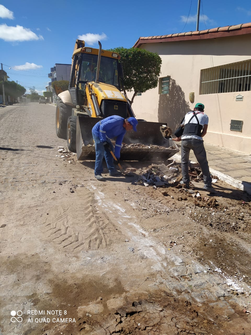 Secretaria de Infraestrutura realiza serviços solicitados pela população do município